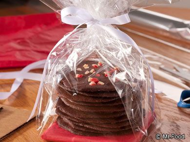 Peppermint Brownie Rounds | mrfood.com