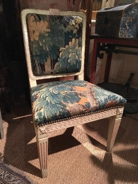 Charmante Petite Chaise époque Louis XVI En Bois Sculpté