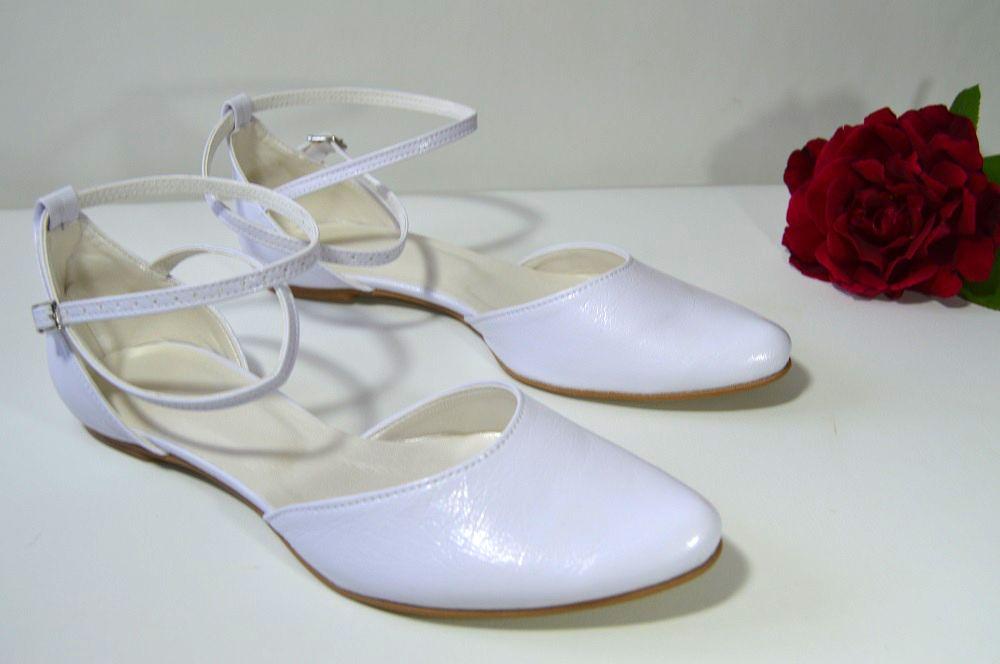a3e5a9d44dad Bílé svatební boty na nízkém podpatku. K-styl. svatební boty ...