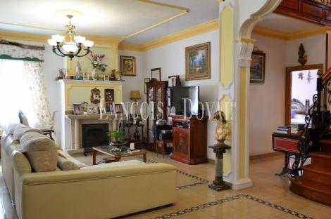 Casa señorial de estilo colonial en venta. Carrión de Los