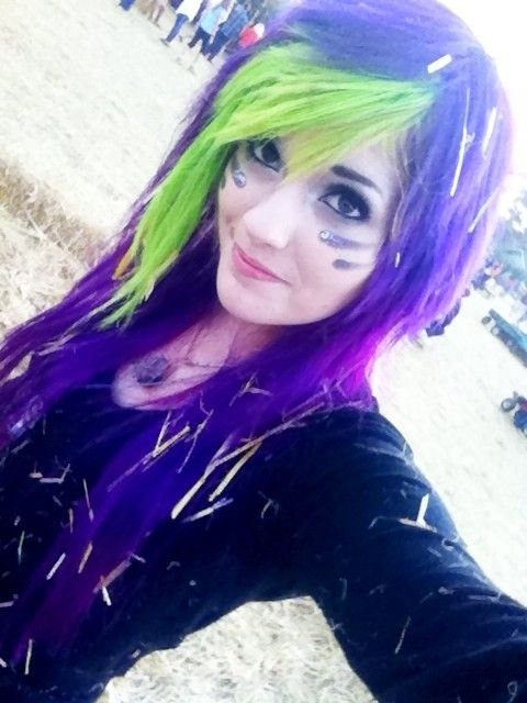 Purple And Green Hair Red Scene Hair Beauty And The Geek