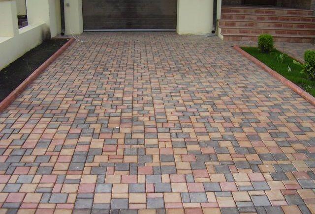 Яку тротуарну плитку вибрати для двору