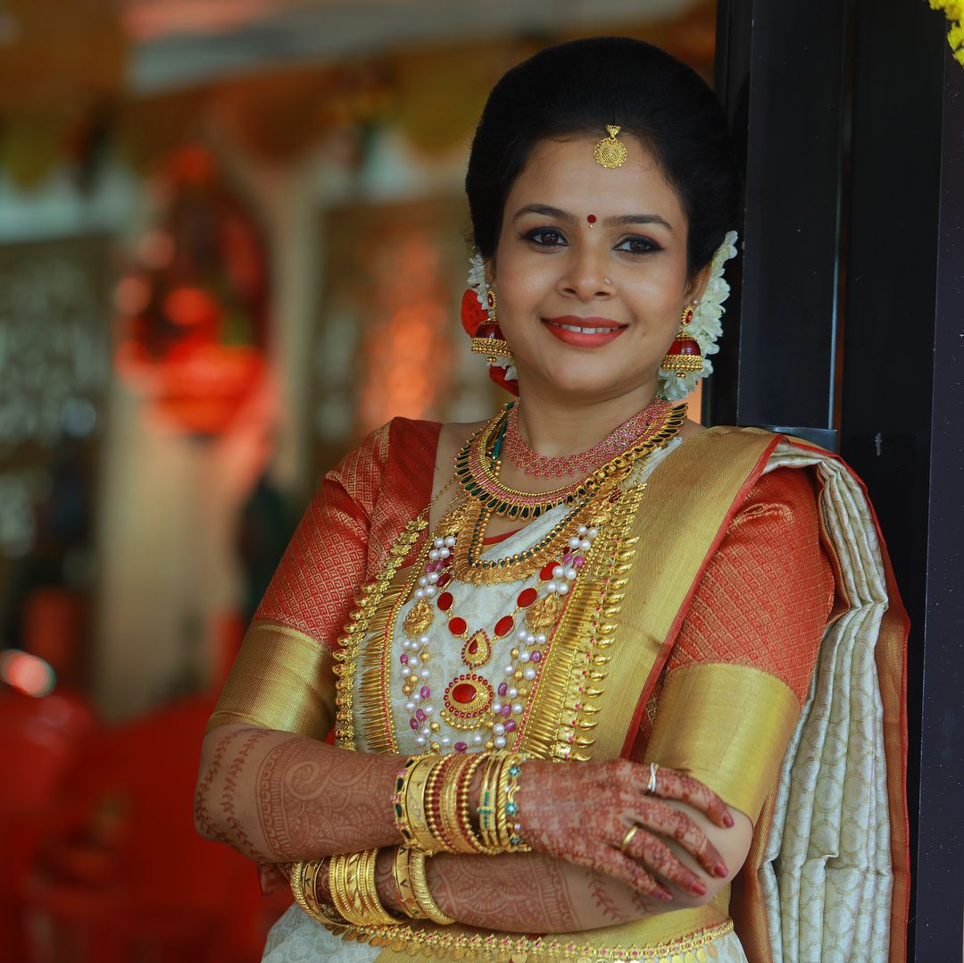 Bride Aswathy photography jayaram To get featured