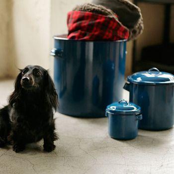 野田琺瑯の隠れた人気商品 ホーロータンク ラウンドストッカーが便利 キナリノ 大型犬 中型犬 ペット用品