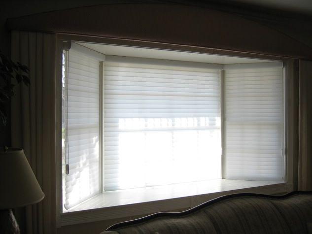 les 25 meilleures id es de la cat gorie persiennes du bow window sur pinterest coussins de. Black Bedroom Furniture Sets. Home Design Ideas