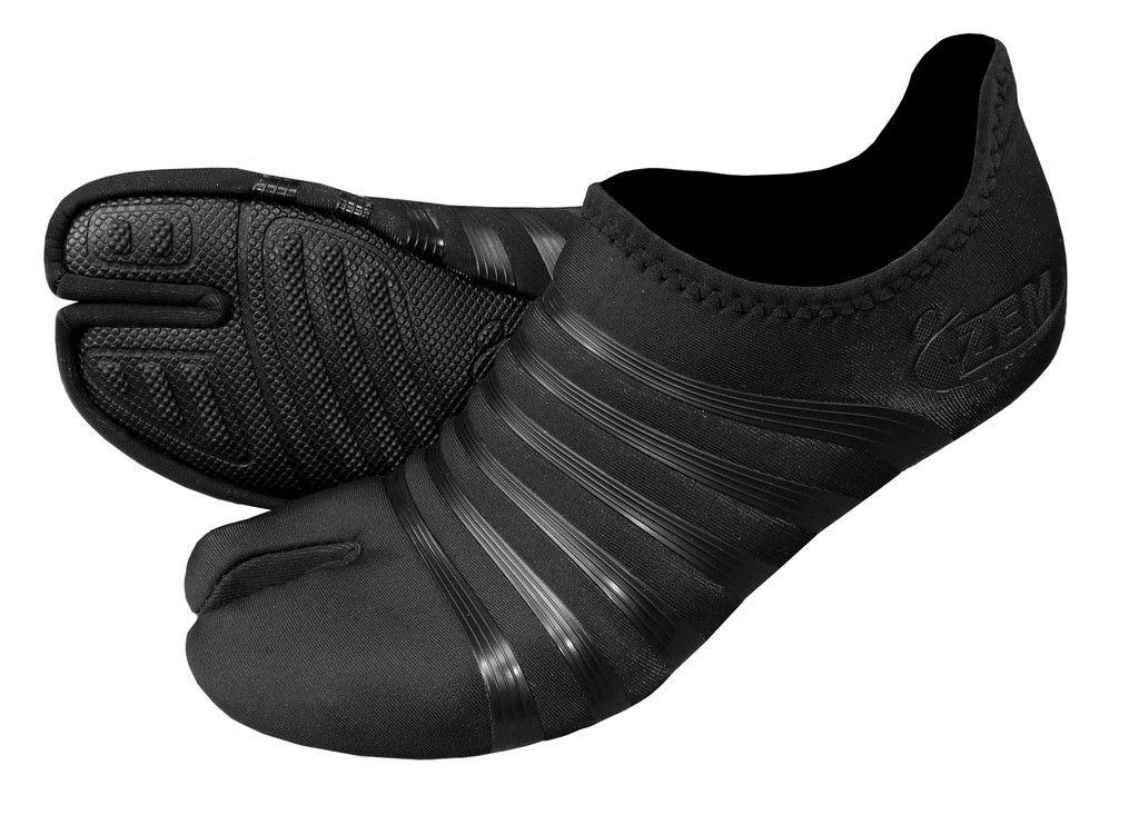 original low split toe minimalist shoes in black