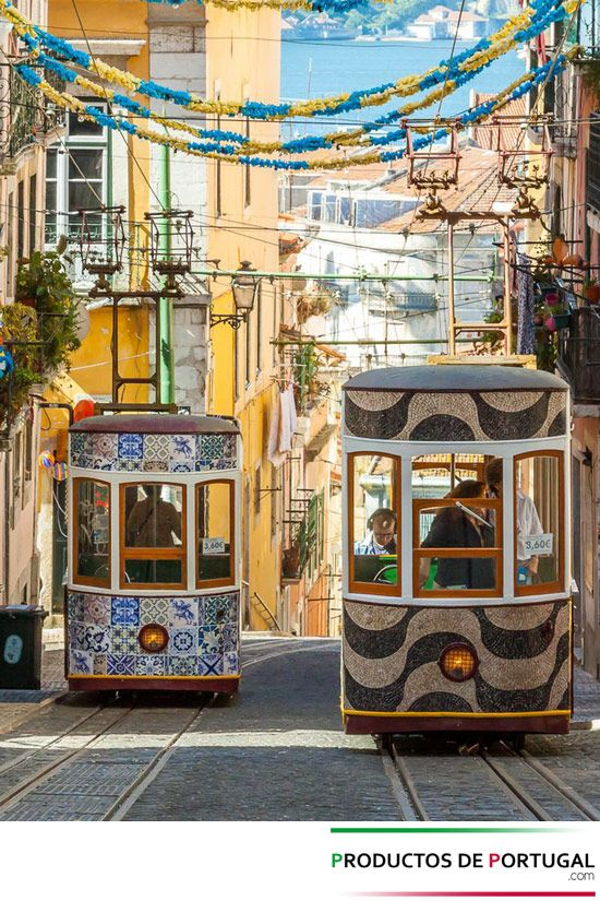 #Lisboa, #Portugal  Tranvia Lisboa  http://productosdeportugal.com/