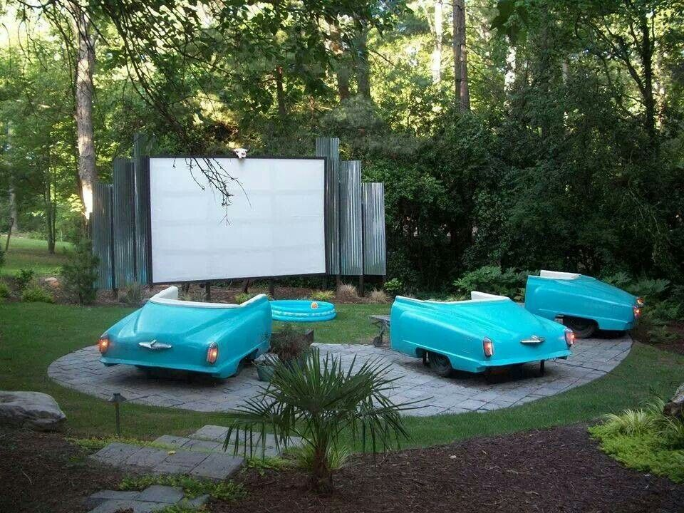 DIY Backyard Movie Theatre - I want this! Reminds me of the old old movies  with the drive in theaters, oh my gosh I love this!