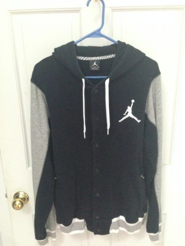 17c811b64717 Nike-Air-Jordan-Varsity-Hoodie-Large
