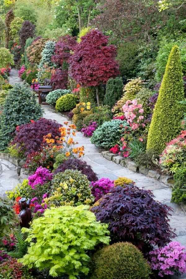 Bäume Sträucher-Garten Landschaft-Farben ideen-Gartenweg aus steinen ...