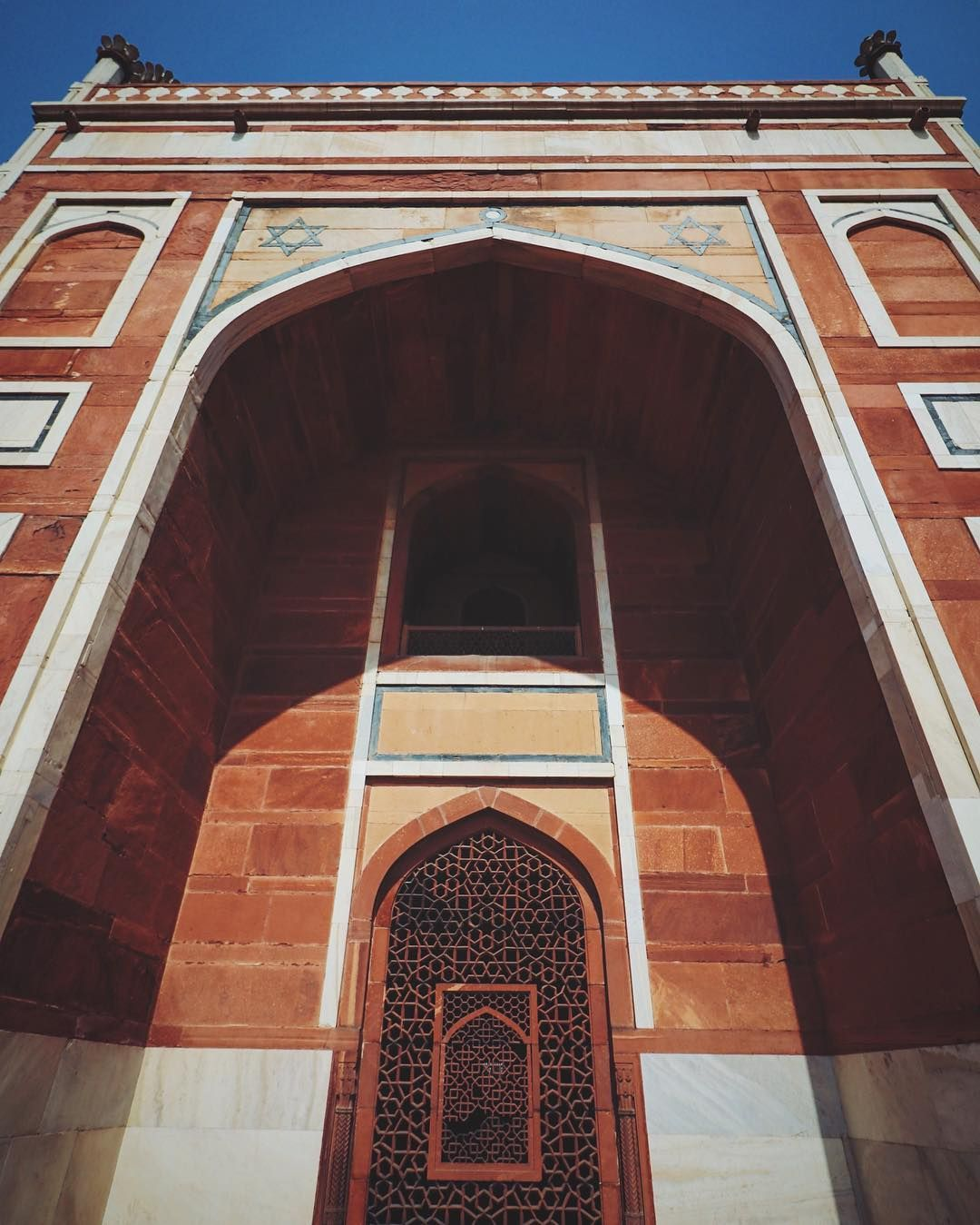 There is something about you that is twisted and thrilling that moves me live wilder and without reservation. #vscocam #vsco #humayunstomb #6s