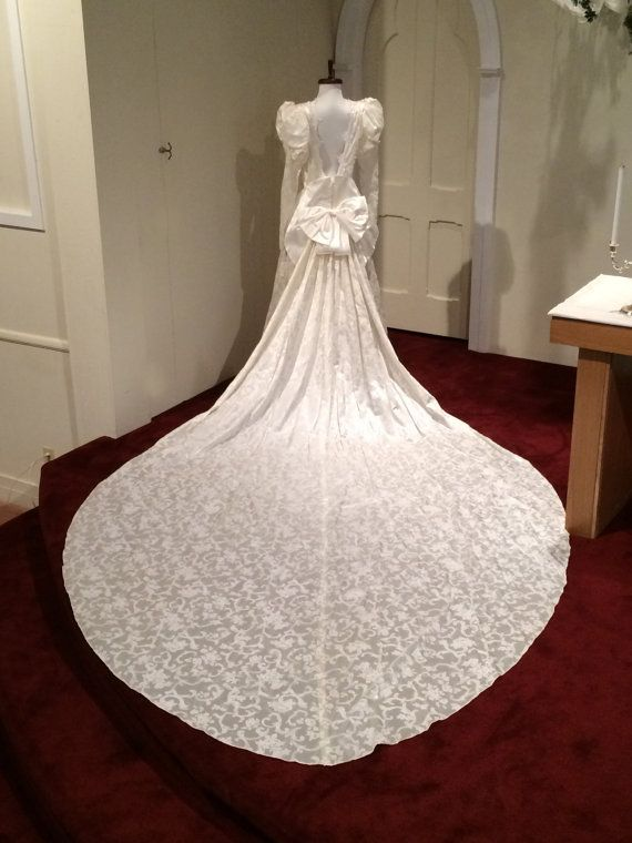 1990 Jessica Mcclintock Wedding Gown Ivory Victorian Steampunk Romantic Alencon Lace Velveteen Floral Detachable Ro Wedding Gowns Jessica Mcclintock Gowns