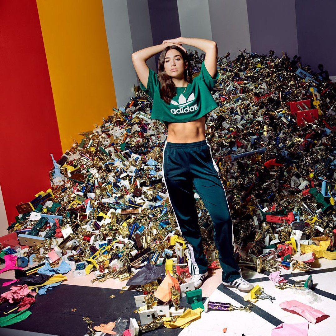 rojo manga lanzar  Adidas Campaign 2018 featuring Dua Lipa. #sustainablefashion | Lipa, Women,  Fashion