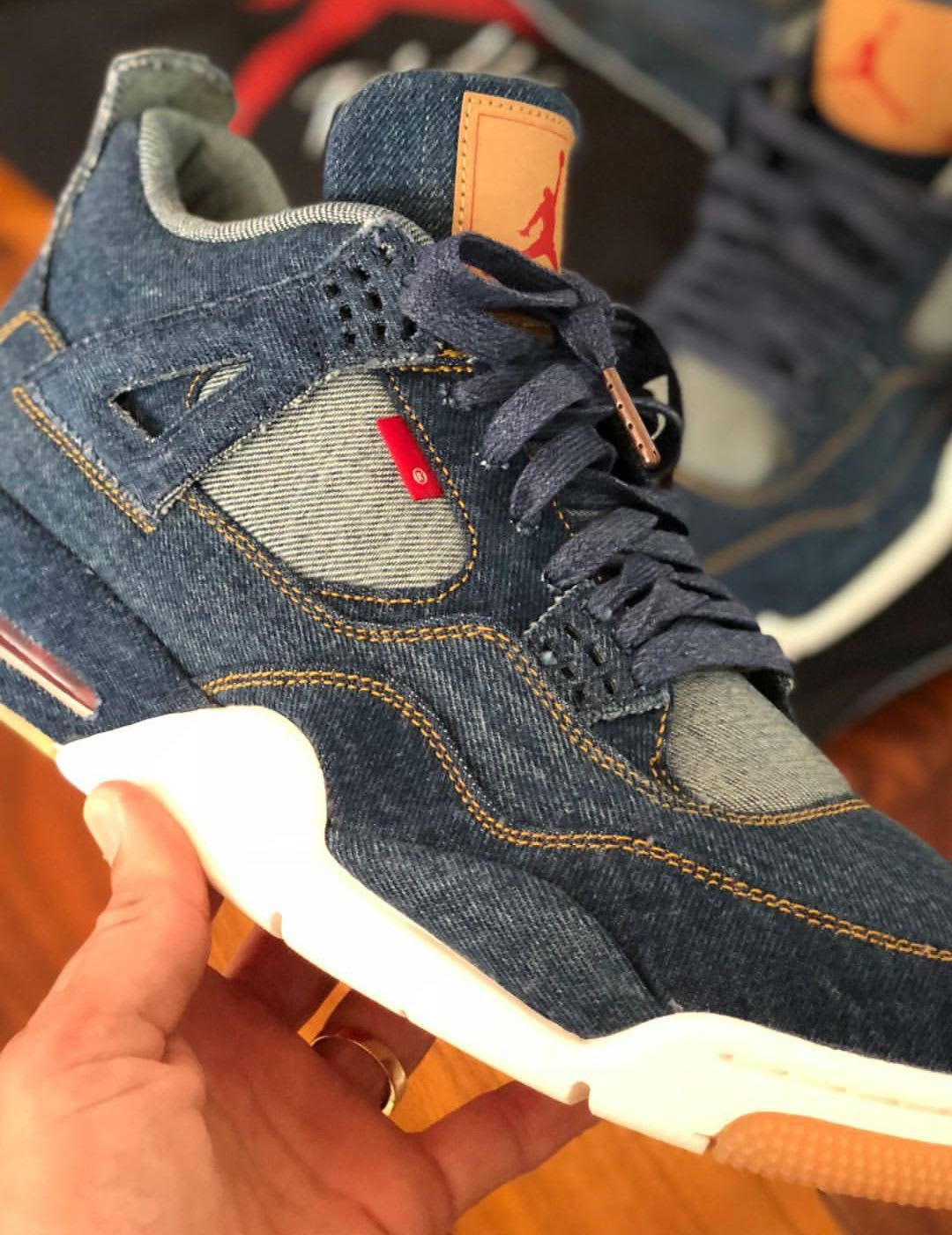 d0d8e3c0531 Levi s x Air Jordan 4 Blue Denim Release Date AO2571-401 Side ...