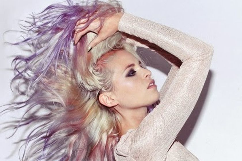 NEW TREND FOR COLOR OF HAIR COLOR INSPIRED BY THE MOTHER OF PEARL