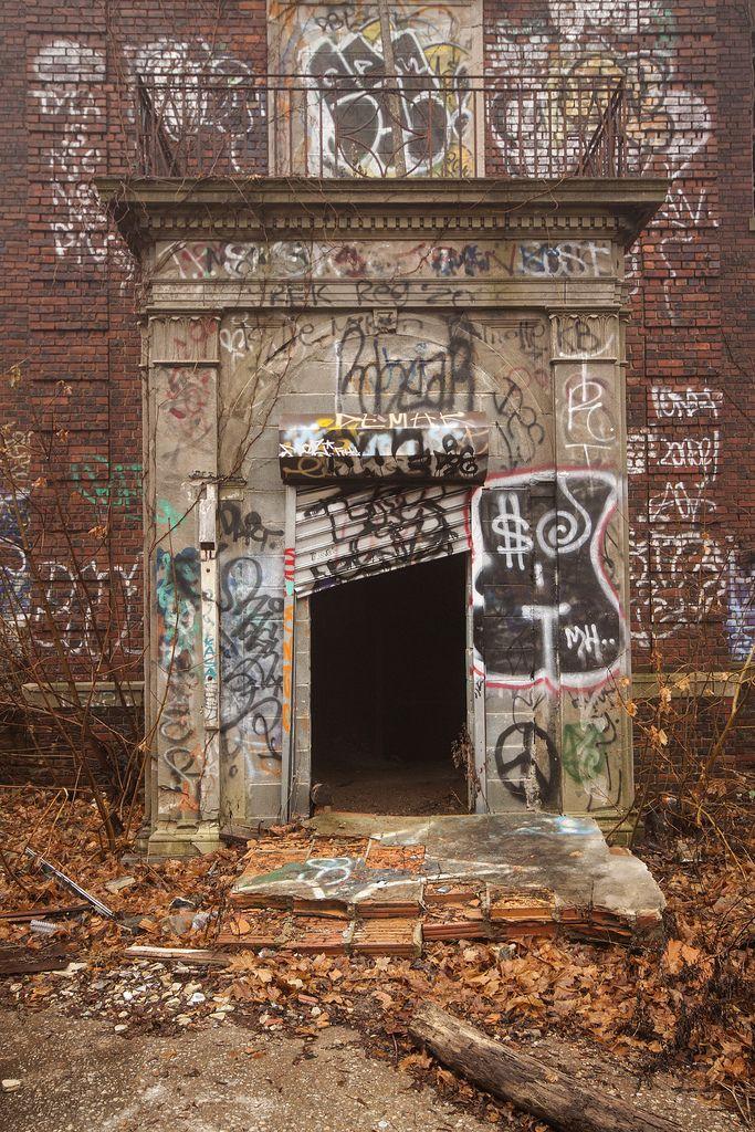 graffitiporn:  (by stevenbley)