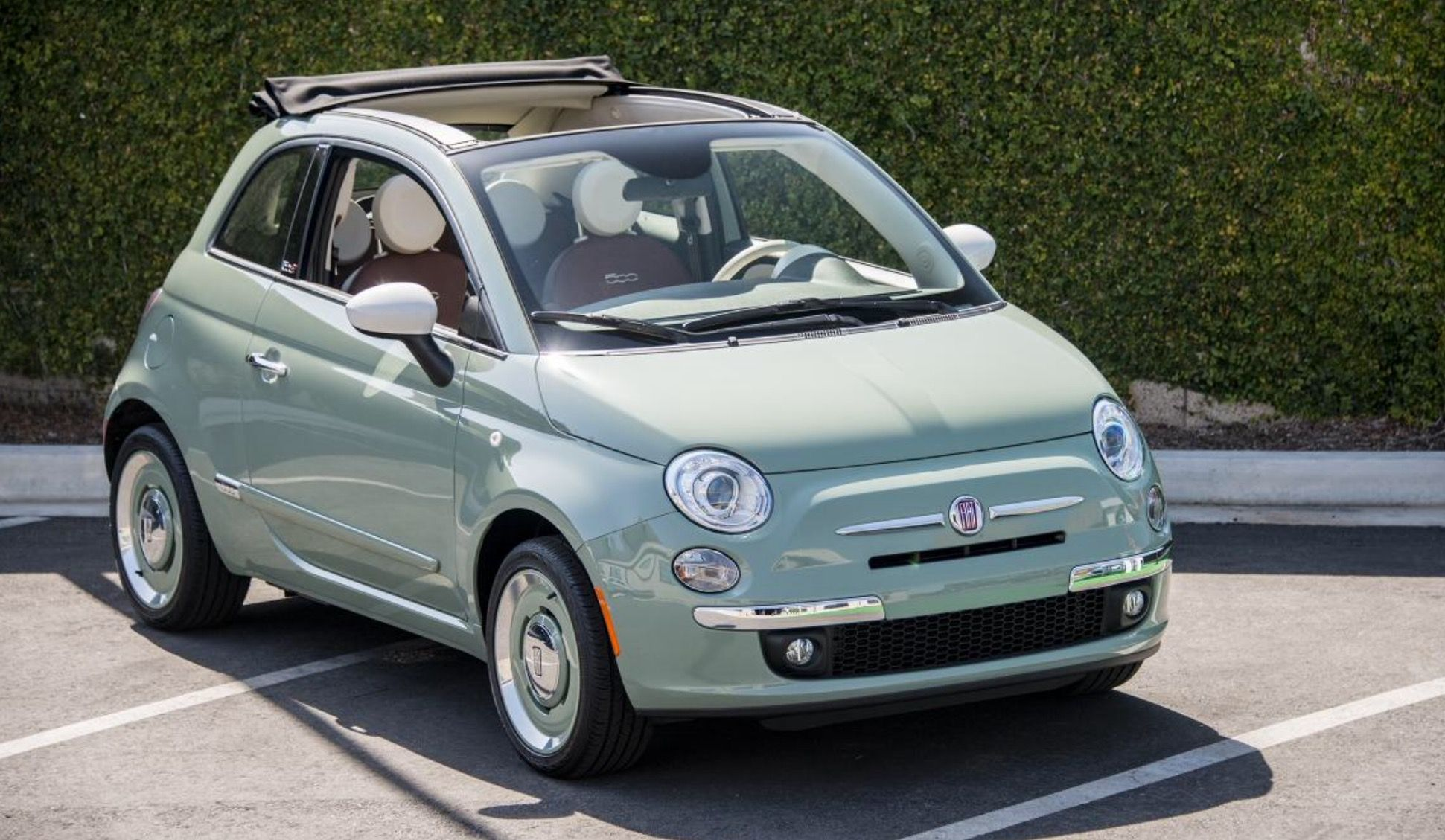 Pin By Daphne On Random Fiat 500 Cabrio Fiat 500 Fiat 500c