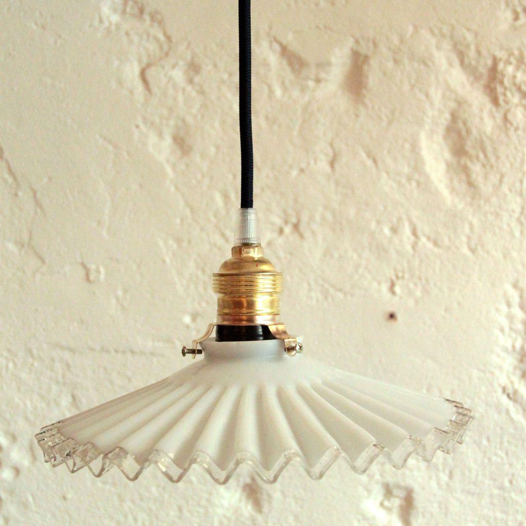 Abat Jour Ancien lampe suspension abat jour ancien en opaline blanche plissée et bord