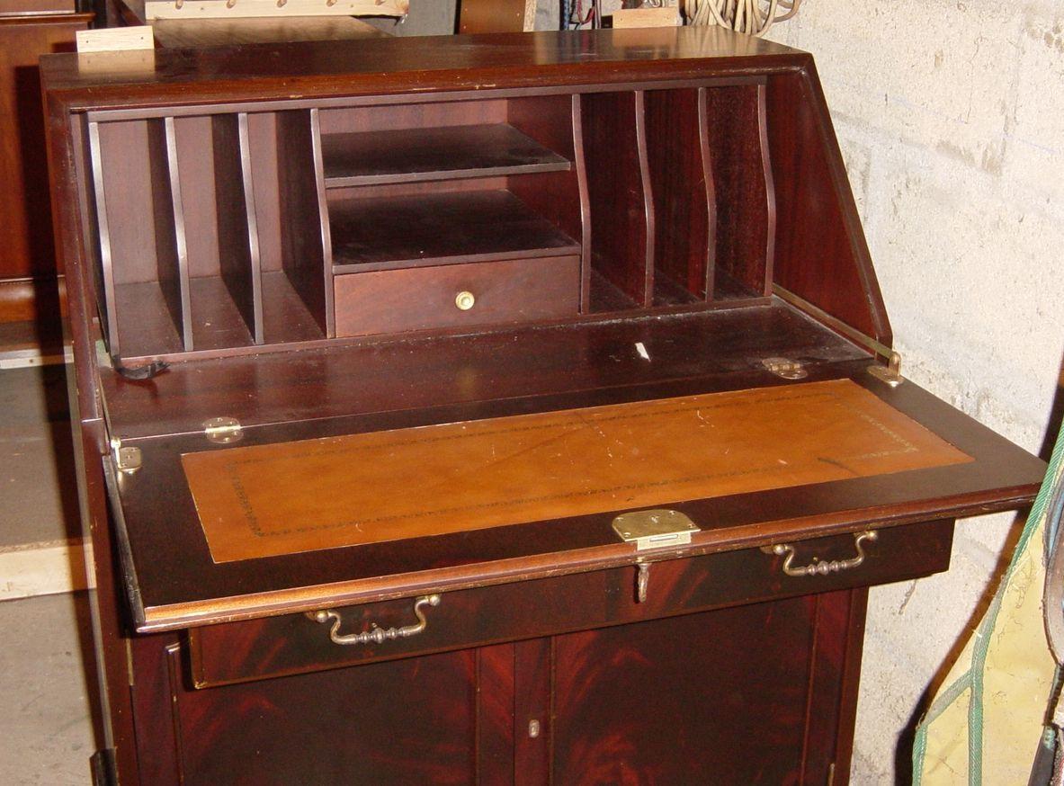 meuble secretaire 9 1183—874 To list
