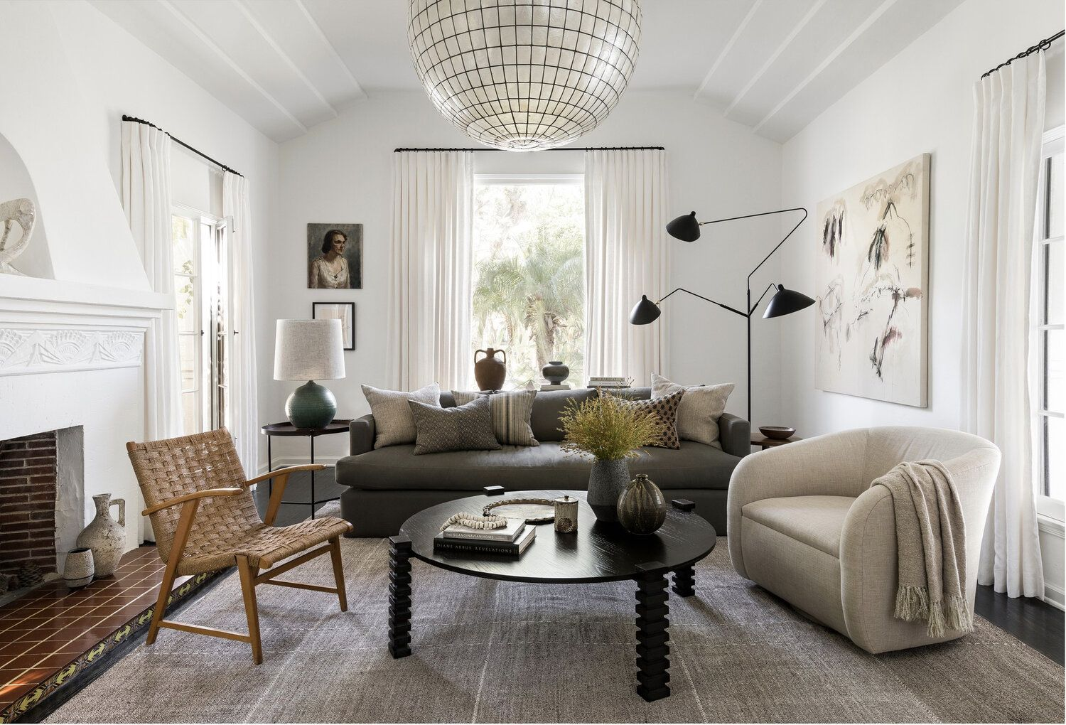 Home Tour This Spanish Art Deco Remodel Strikes The Perfect Balance Of Modern And Traditional The Grit And Polish Home Decor Styles Art Deco Home House Interior