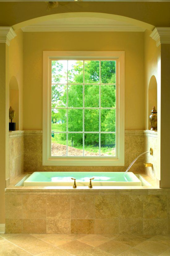 Kohler soaker tub. This is enough to make me consider a bath instead ...