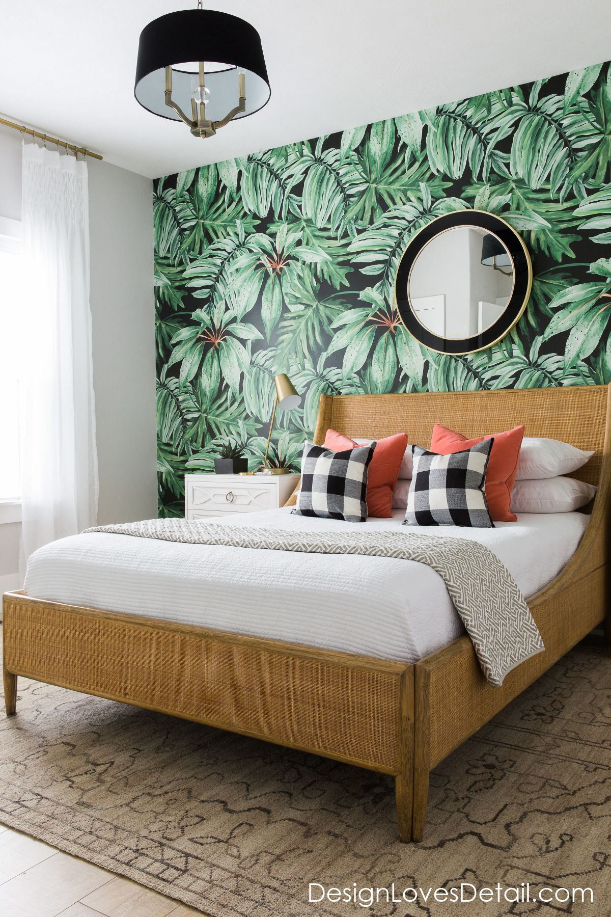 A romantic tropical jungle paradise! Love this guest room
