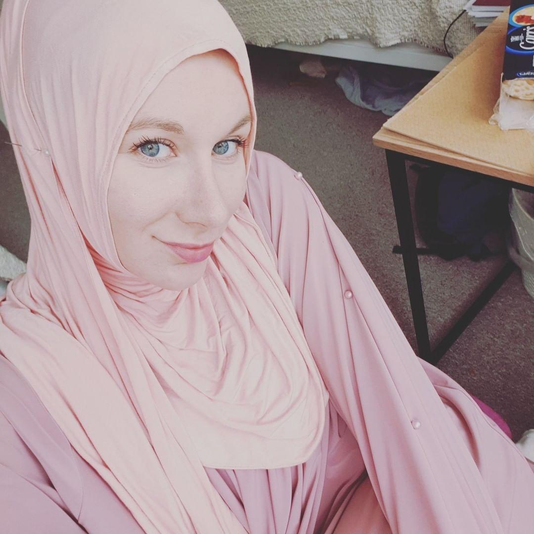 Adhan Changed My Life | British Revert Story | Aisha Rosalie