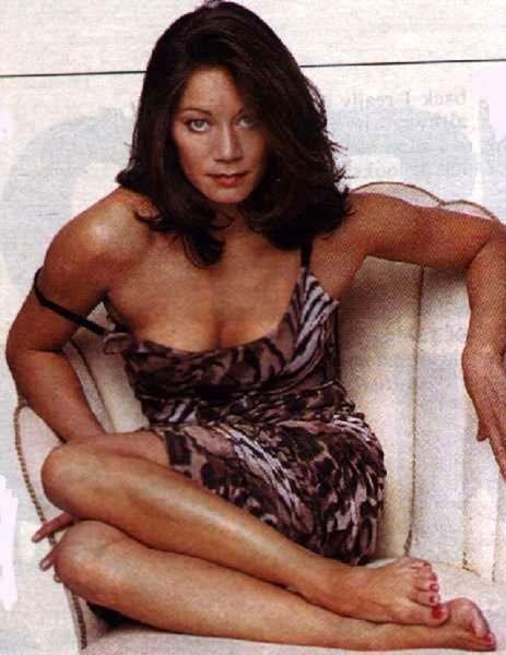 female-anna-ryder-richardson-bikini
