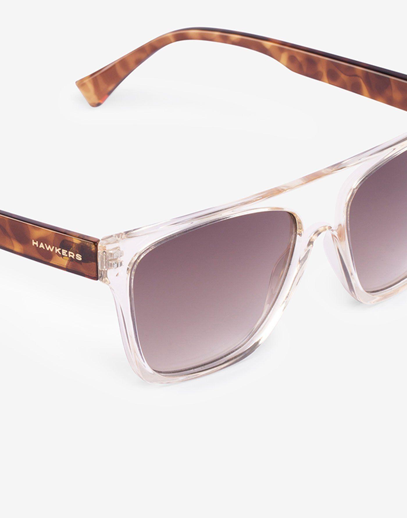 a2c893c90c CRYSTAL CHAMPAGNE BROWN GRADIENT ONE LS FLAT TOP Hawkers presenta su modelo  de gafas de sol ONE Lifestyle Flat Top. Hecho a medida para todos los  rostros, ...