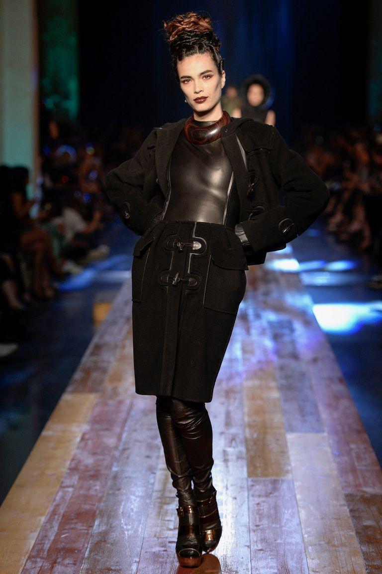 ... Haute Couture Autumn Winter. Jean Paul Gaultier коллекция   Коллекции  осень-зима 2016 2017   Париж   VOGUE ad3bb42f266