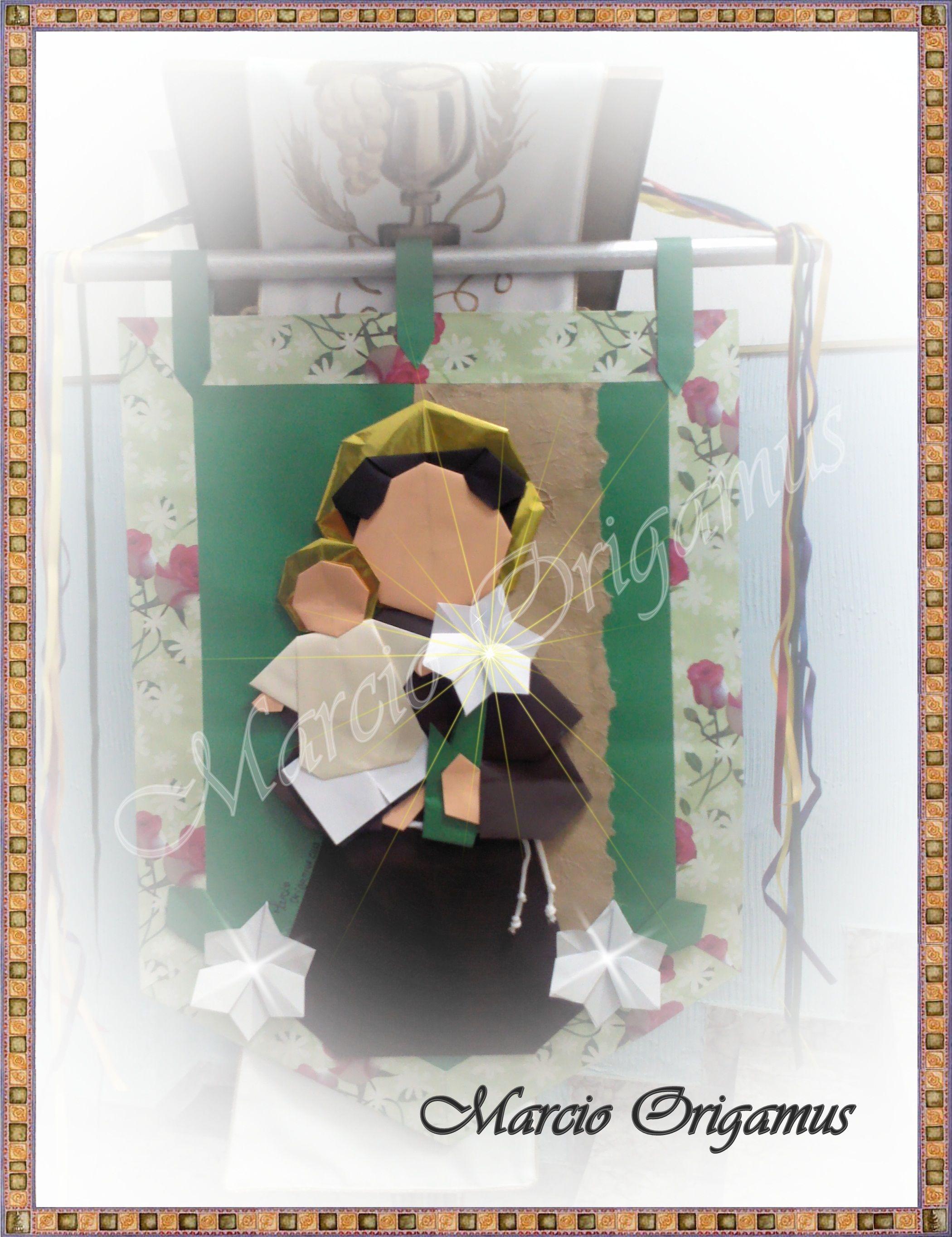 """Santo Antônio feito com base no livro """"Santo de Casa - dobrando com devoção"""", de Nunes, Galvão e Young. Dobrado por Marcio Jorge Galvão"""
