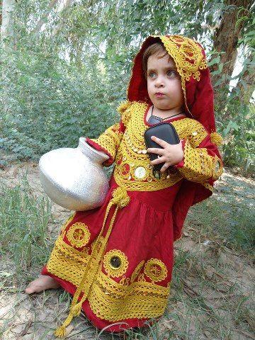 Traditional Dress Of Kalash Pakistan Cute Little Girl Kalashi Raznoe Aziya