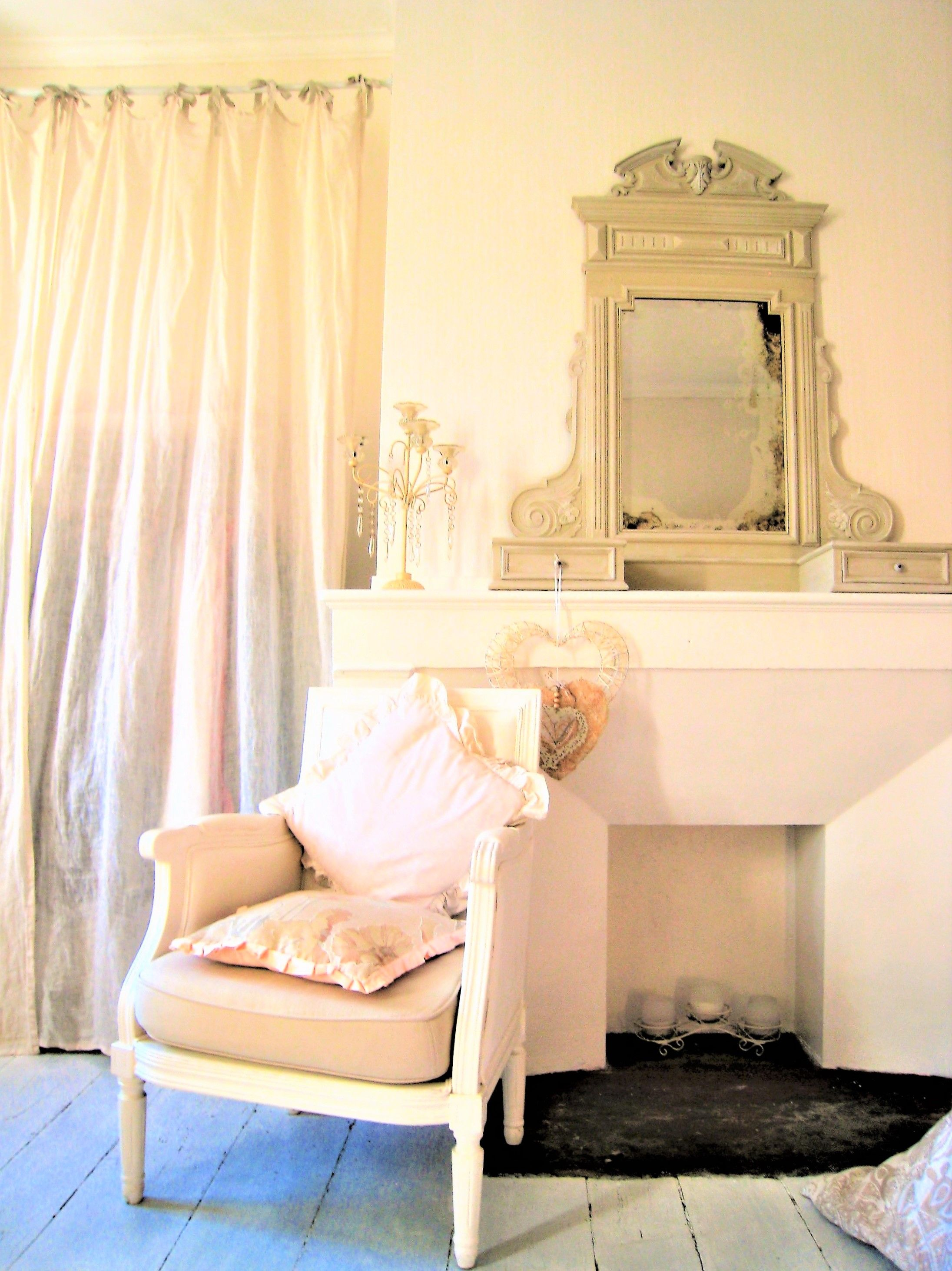 Home Staging d\'une chambre de jeune fille romantique Glace de ...