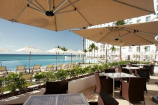 Le Blanc Spa Resort - dine by the sea