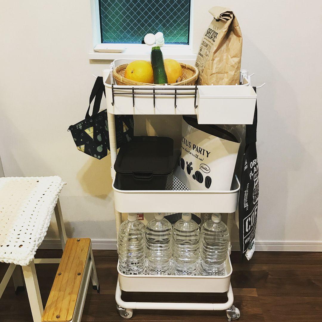 もしものときの災害時用としてもペットボトルの飲料水をお家に収納して