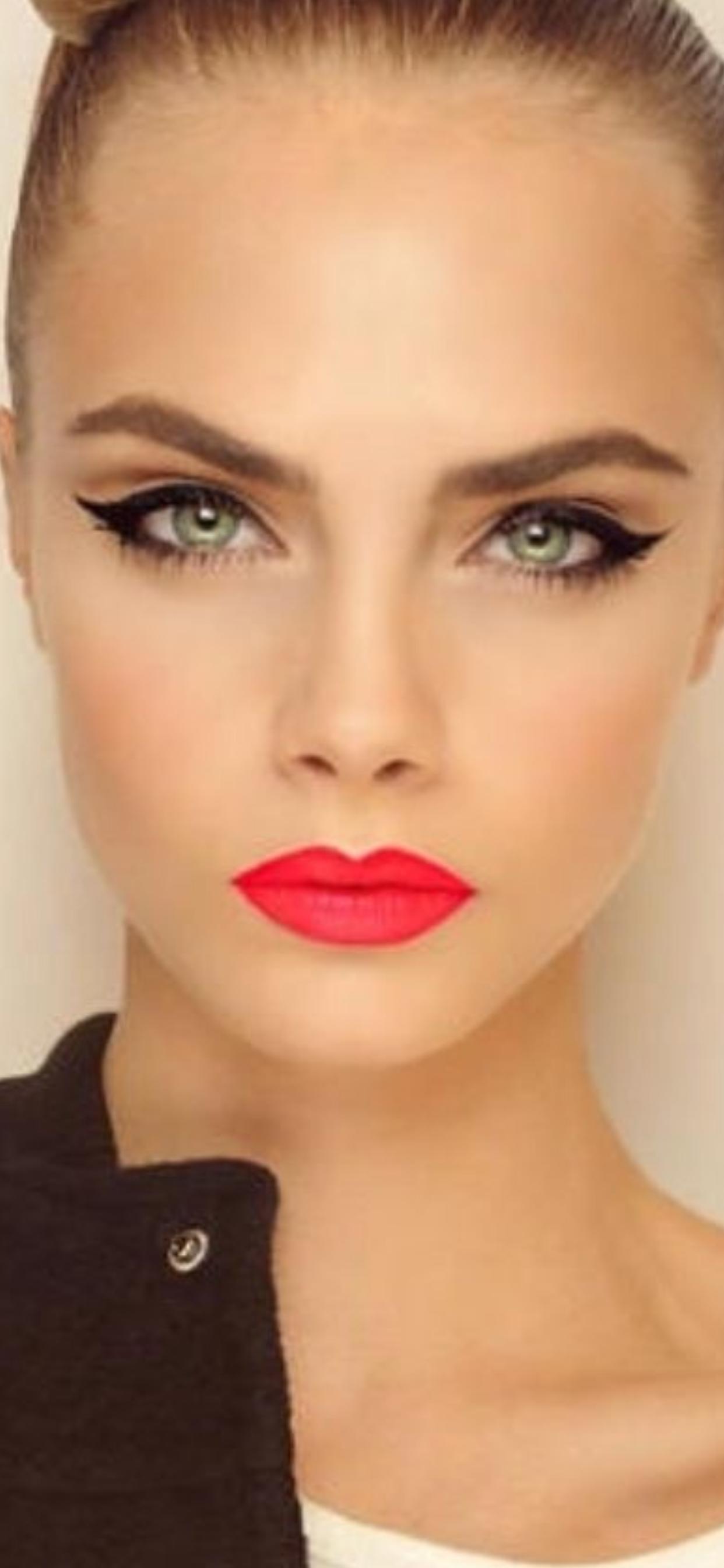 Beauty Winged eyeliner makeup, Red lip makeup, Honey