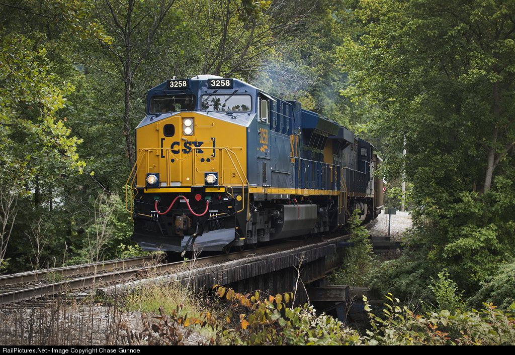 RailPictures.Net Photo: CSXT 3258 CSX Transportation (CSXT) GE ET44AC at Dry Branch, West Virginia by Chase Gunnoe