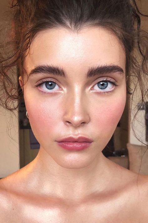 Flushed cheeks -- what I try to do all the time!! soooo pretty ~~ 6 Prettiest Spring Makeup Trends 2018 - Top Spring Beauty Ideas #style #shopping #styles #outfit #pretty #girl #girls #beauty #beautiful #me #cute #stylish #photooftheday #swag #dress #shoes #diy #design #fashion #Makeup