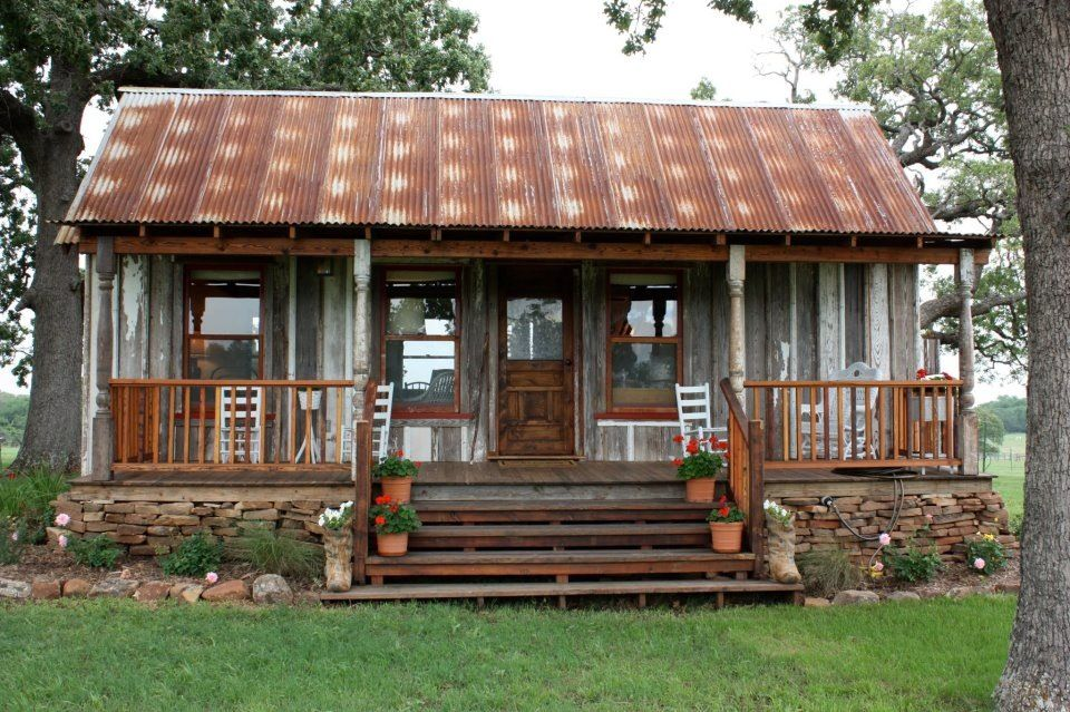 Love this rustic tin house Dream House Ideas Pinterest