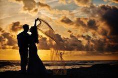 Gorgeous photo ideas for a beach wedding