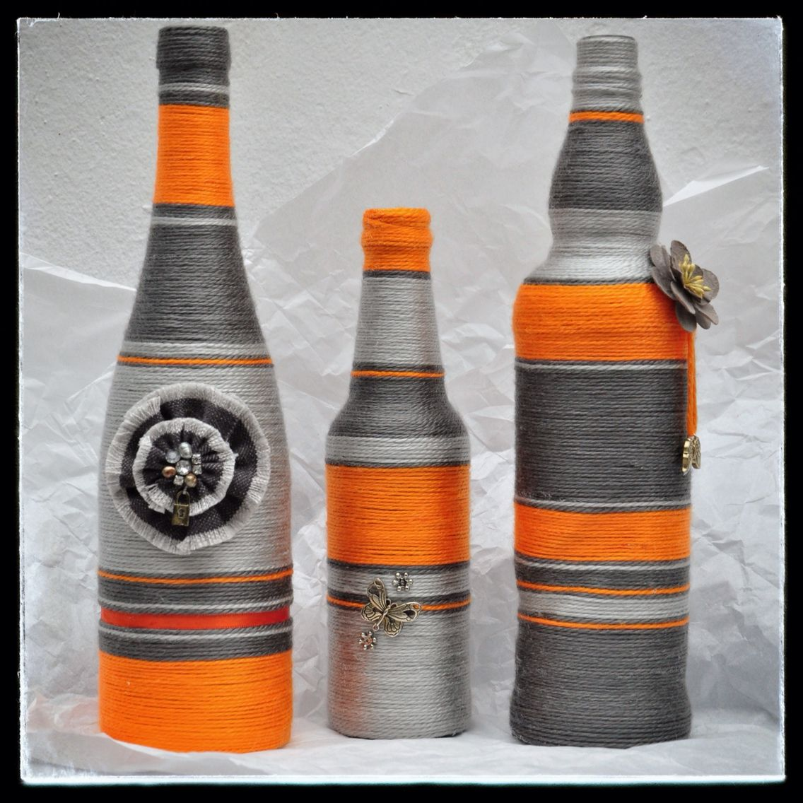 Orange and grey set artistik crafts pinterest serviettentechnik flaschen und glas - Groayes glas weihnachtlich dekorieren ...