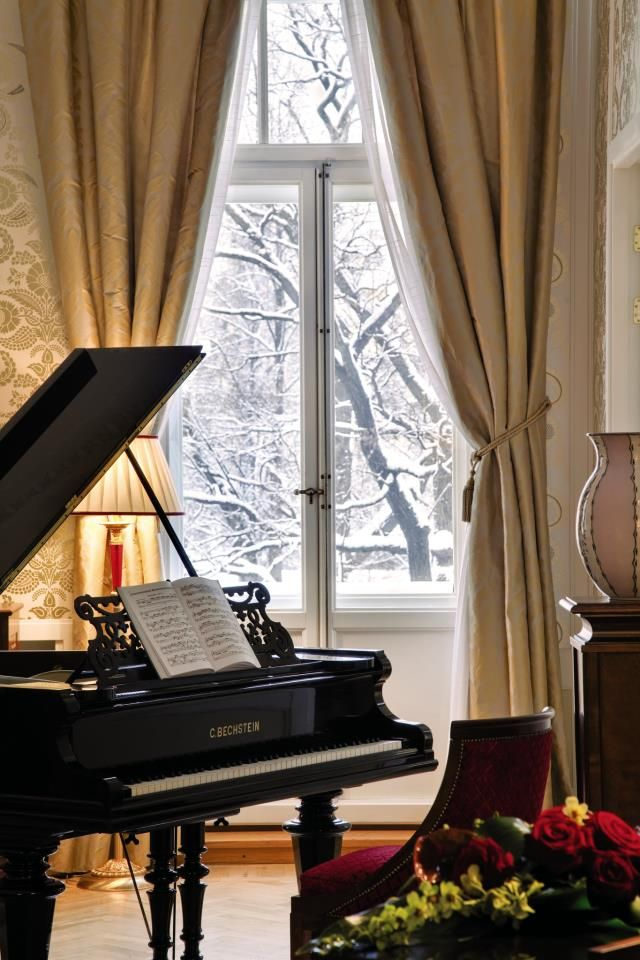The Pavarotti Suite @Heather Creswell Elmlinger Express Hotels