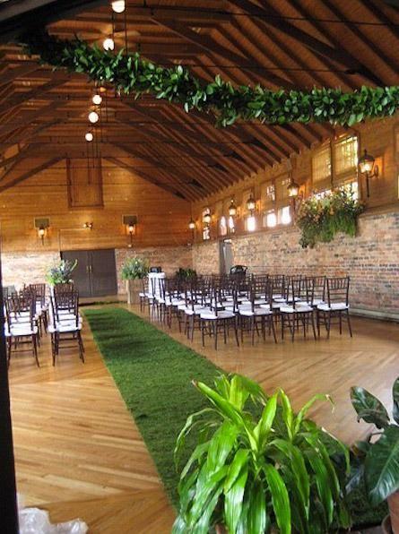 10 Formas De Adornar El Camino Hasta El Altar Decoracion Boda Jardin Decoraciones Del Pasillo Jardin De Eventos