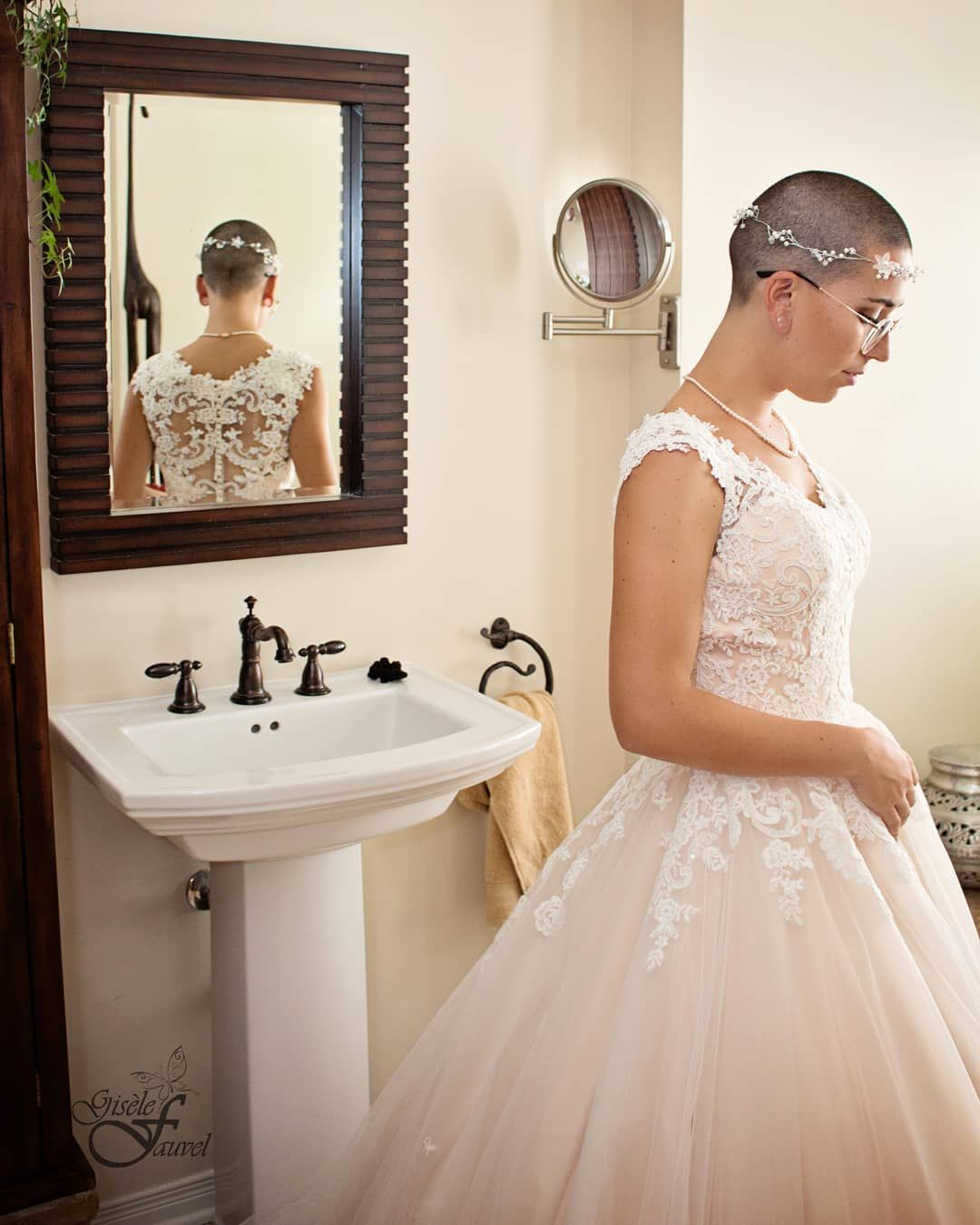 Bride With Shaved Head Bald Woman In Wedding Dress Bald Women Short Bridal Hair Shaved Head Women [ 1350 x 1080 Pixel ]