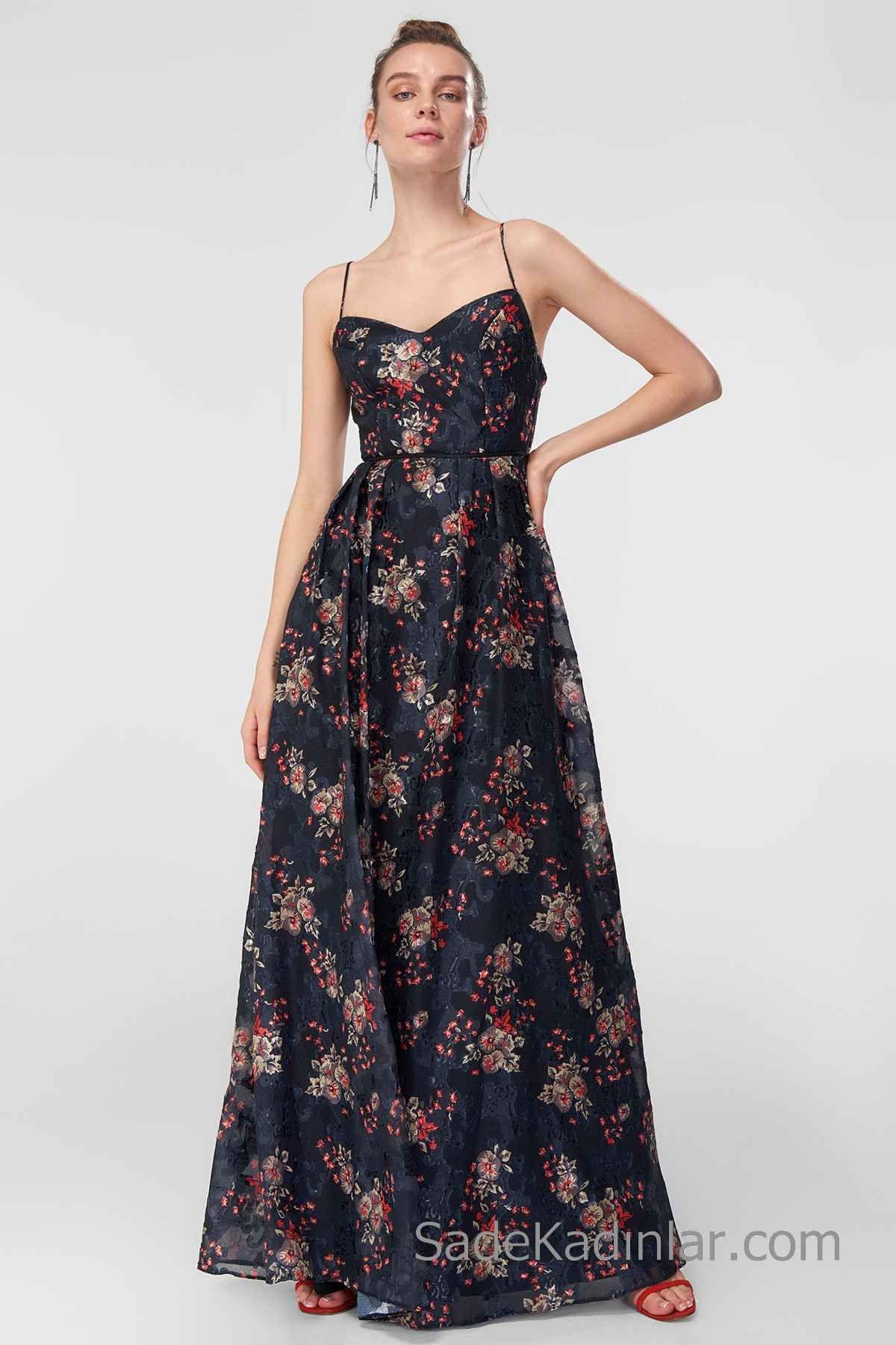 2020 Uzun Abiye Modelleri Siyah Uzun Ip Askili Kalp Yaka Cicek Desenli Maksi Elbiseler Moda Stilleri Elbise Modelleri