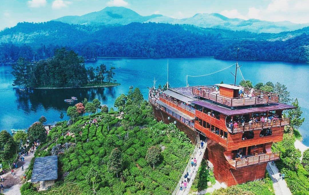 Wisata Glamping Lakeside Rancabali Ciwidey Kabupaten Bandung
