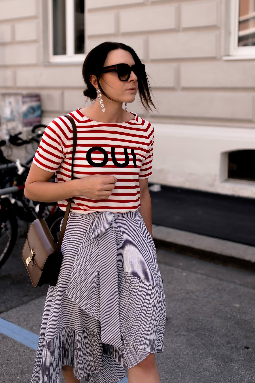 Mustermix Outfit Mit Streifen Schones Alltagsoutfit Mit Gestreiftem Rock Und Shirt Streifen Miteinander Kombini Summer Fashion Skirt Outfits Everyday Outfits