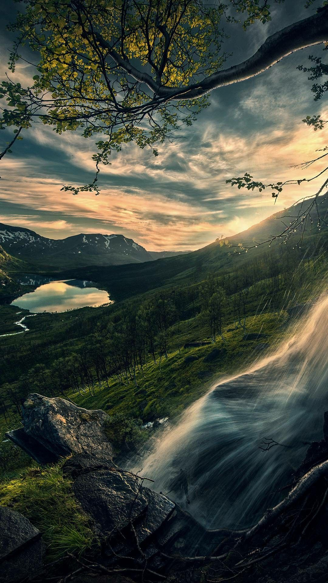Our New Earth Is Bathed In Love And Light Not Even A Dark Cloud Will Ruin Our Flight Release The Old Best Nature Wallpapers Beautiful Nature Nature Photography