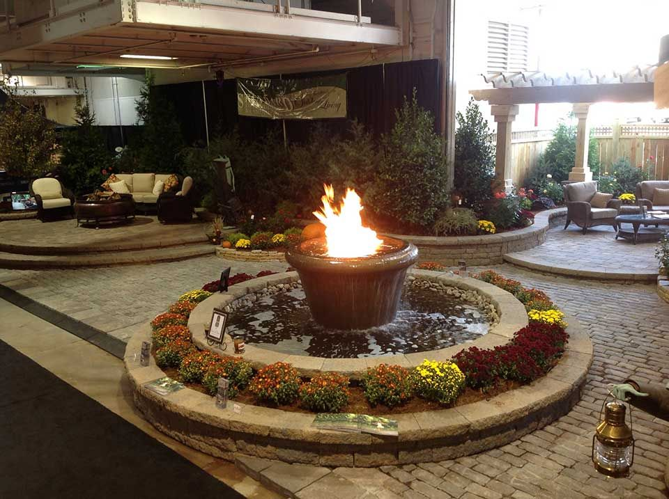 Custom Fire On Water Feature Fire Pits Fire Ring Fire Water Features