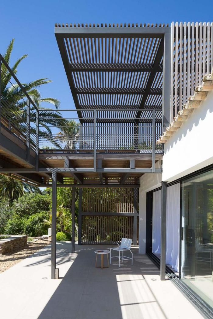 brise soleil brise vent contemporain sur le toit terrasse. Black Bedroom Furniture Sets. Home Design Ideas